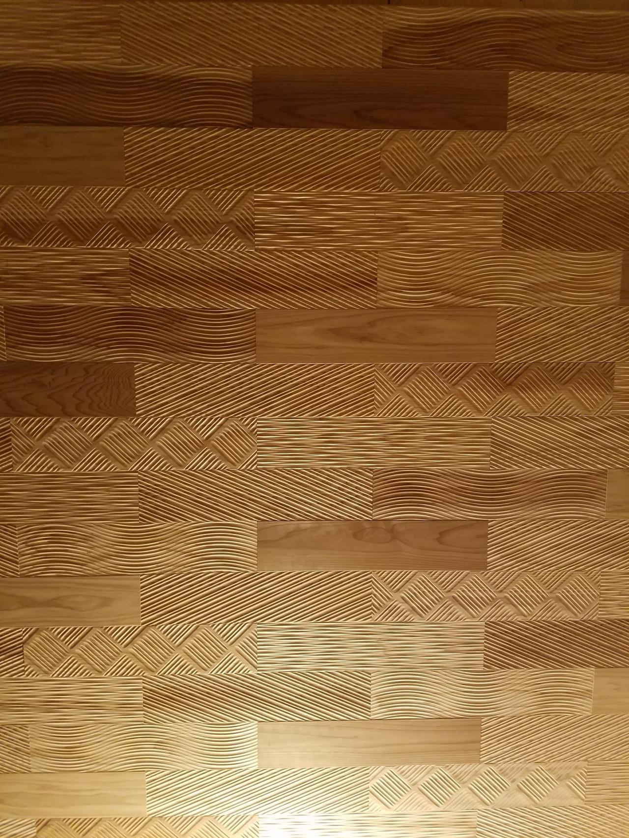 ランダム デザイン性 無垢杉材